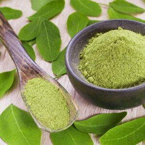 Moringa proprietà e curiosità di un superfood - foglie di moringa Erboristeria siciliana, la tua erboristeria online