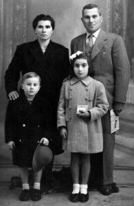 Famiglia Tradizionale e Ruoli Genitoriali Erboristeria siciliana, la tua erboristeria online